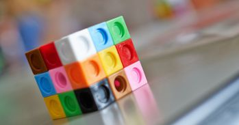 Image: FMSP/Phil Ball (MMP Hands-On Maths Roadshow activity - Nine Colours)